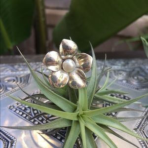 Pearl Flower Shiny .925 Solid sliver ring size 7